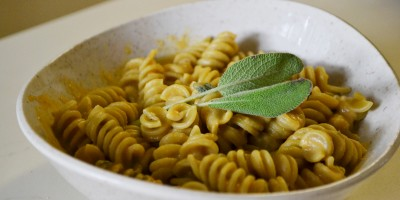 The Lasso's Emily Nickles weighs in on healthy food options, including vegan pumpkin mac 'n' cheese.